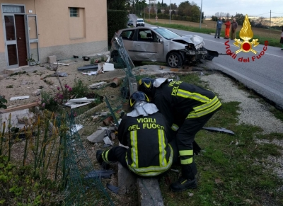 MONTEMARCIANO - Incidente con perdita di gas da una colonnina del metano
